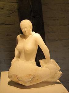 Meerjungfrau<br />Alabaster  (2011)<br />24 x 27 x 15